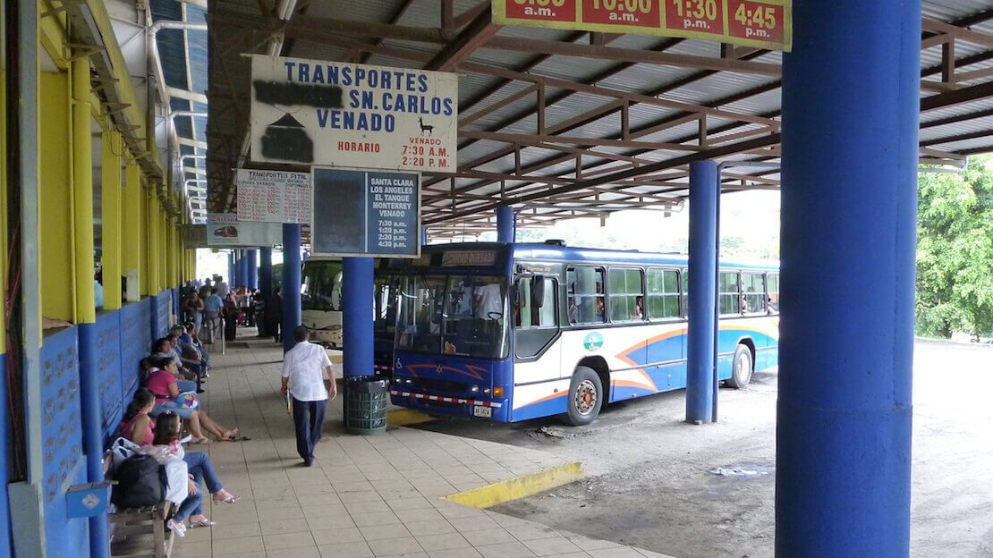 Terminal dell'autobus in Costa Rica