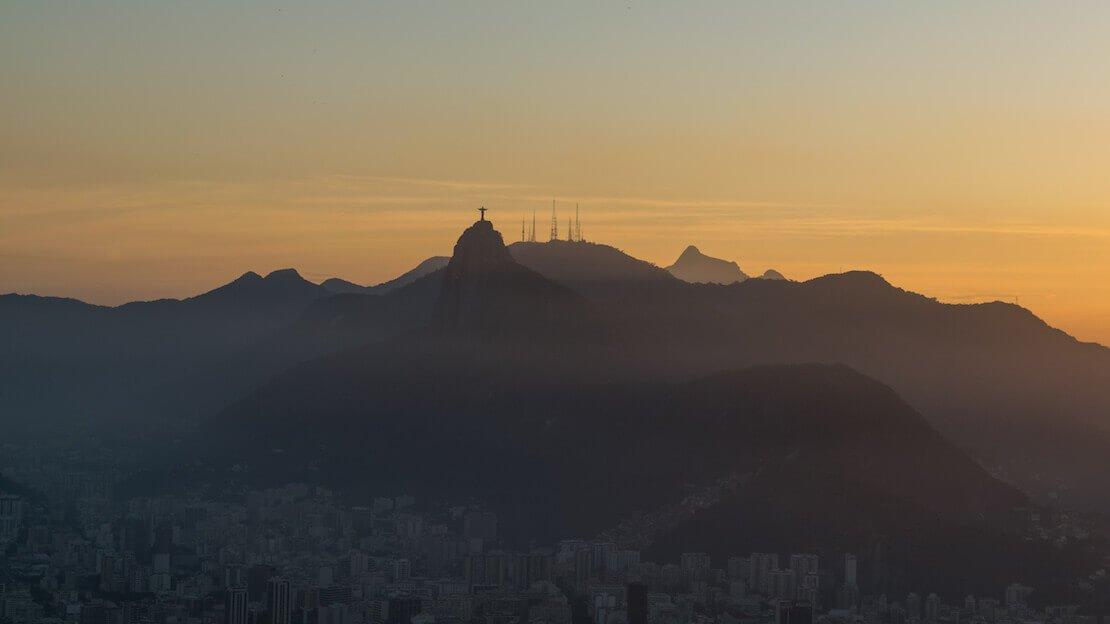 Tramonto a Rio de Janeiro visto dal pan de azucar