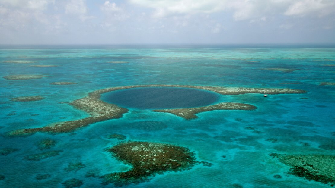 Il blue hole in Belize