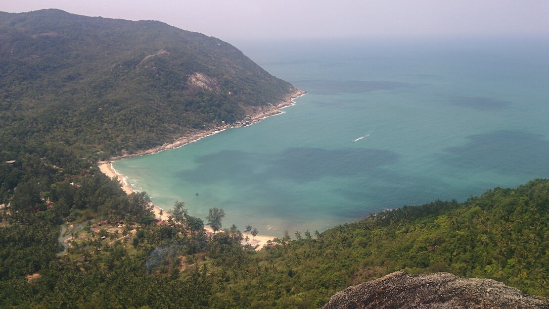 Vista dall'alto su Bottle Beach a Koh Phangan